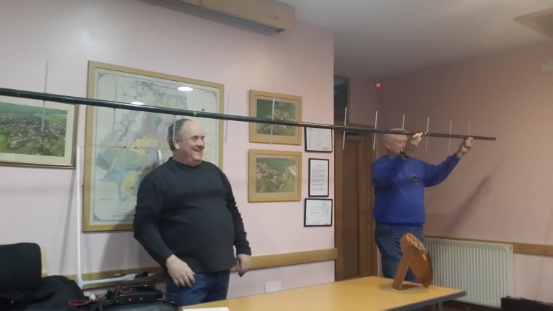 Paul M0PNN and Simon with Pauls extra long 70cm beam