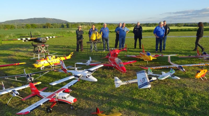 TDARS members around a collection of RC planes at ISombridge